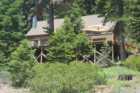 Cozy Tahoe City Cabin, Best location in TC.