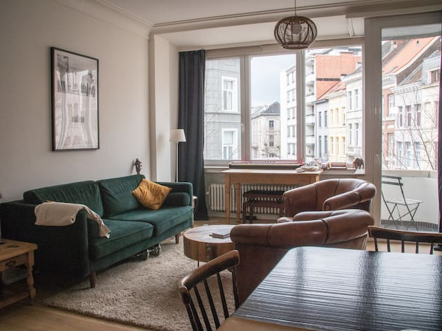 Bright spacious apartment in the center of Antwerp
