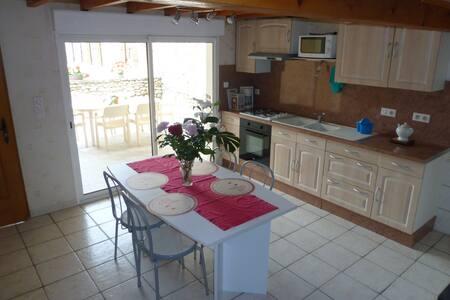 """Gîte """"Le chant des oiseaux"""" en Drôme provençale - La Bégude-de-Mazenc - Apartemen"""
