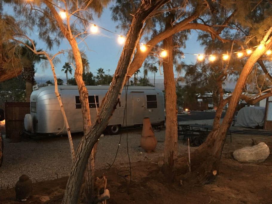 Vintage glamping in borrego springs time capsule camping cars caravanes - Location caravane vintage ...