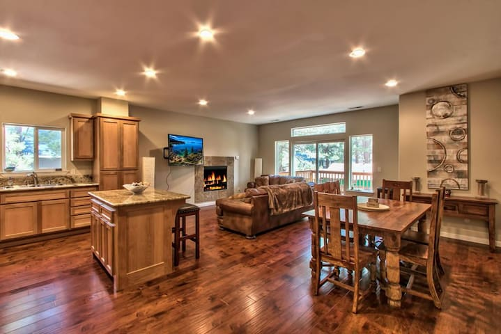 Very Spacious House - Near Heavenly! - South Lake Tahoe