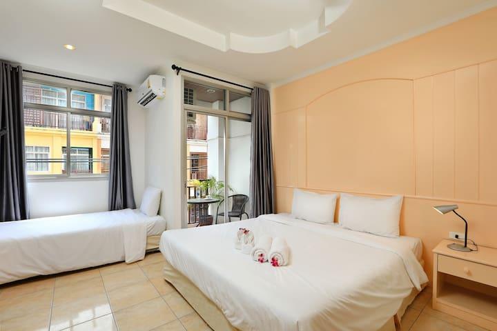 Triple Room 1 -Arya Eightball Records Hotel