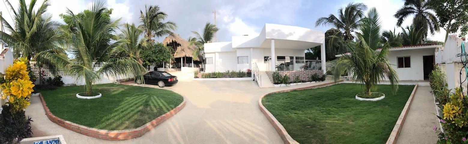 Linda casa con vista al mar en Santa Verónica