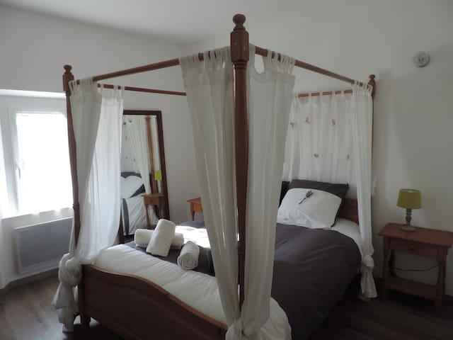 chambre, au coeur de la Provence!