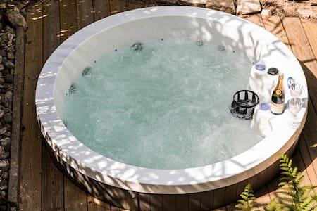La Villa de l'Etoile jacuzzi privé chauffé à 37°C