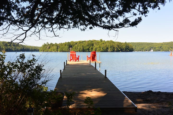 Family-friendly cottage on Three Mile Lake - Burk's Falls - Stuga