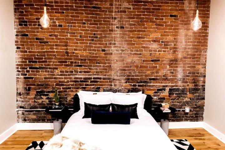Bedroom 411 with ensuite Bath View 1 / Queen Bed