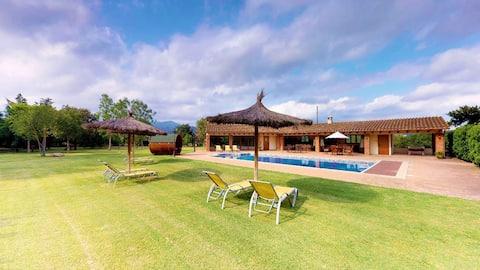 Vakkert hus på landet med basseng -ELS CIRERS-