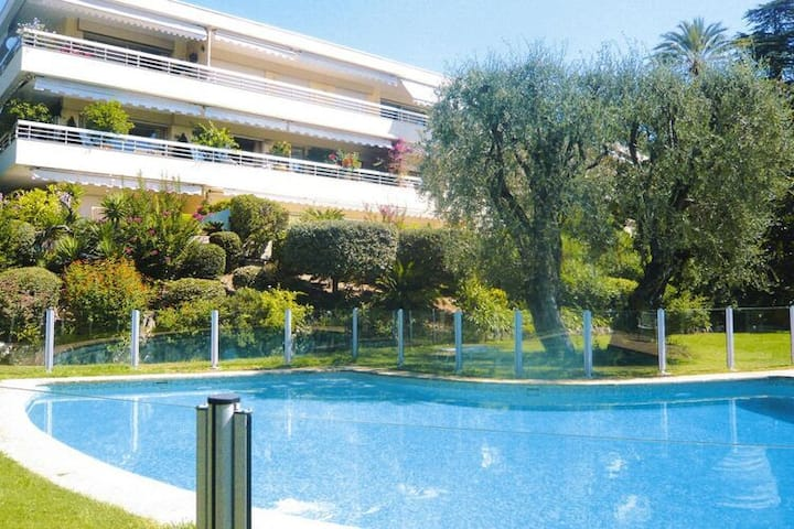 4 star holiday home in Cannes