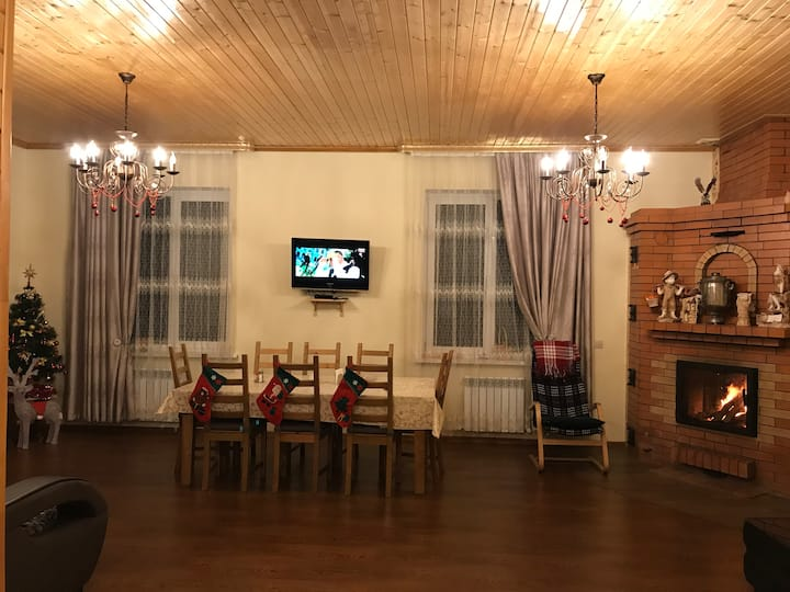 Уютный дом-шале в Москве. Family house in Moscow