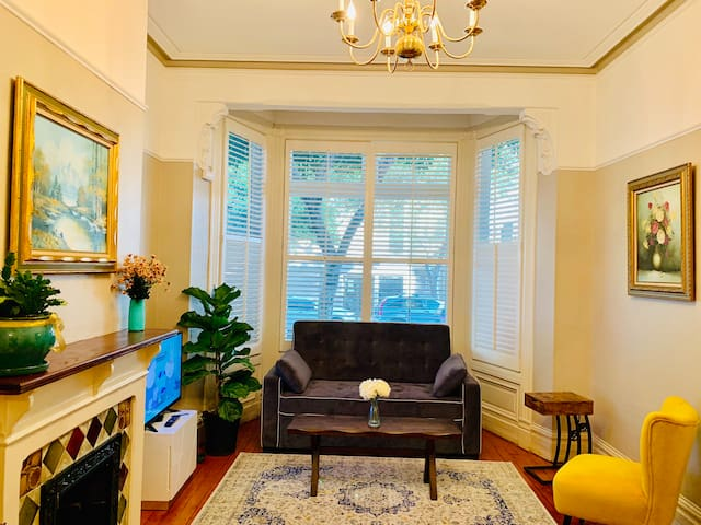 Private Victorian condo with perfect walk score