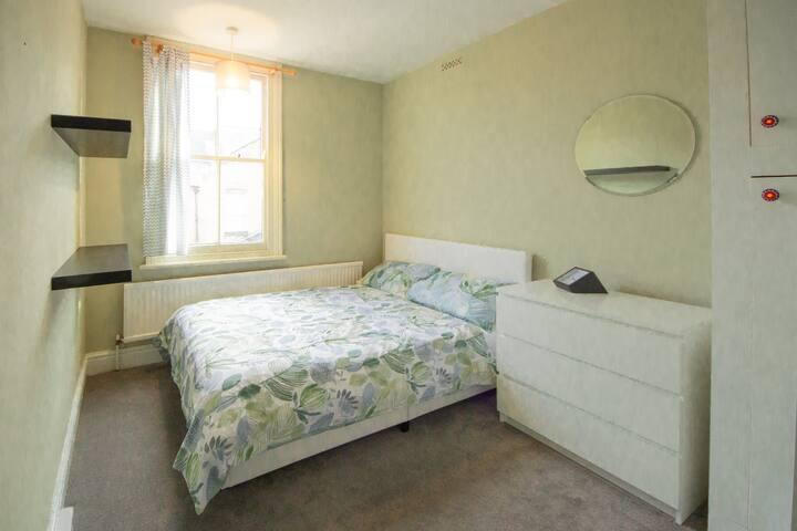 Double Room near DMU and Leicester City Centre
