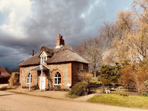 Amy' s Cottage, Sutton Street, Woodbridge Suffolk