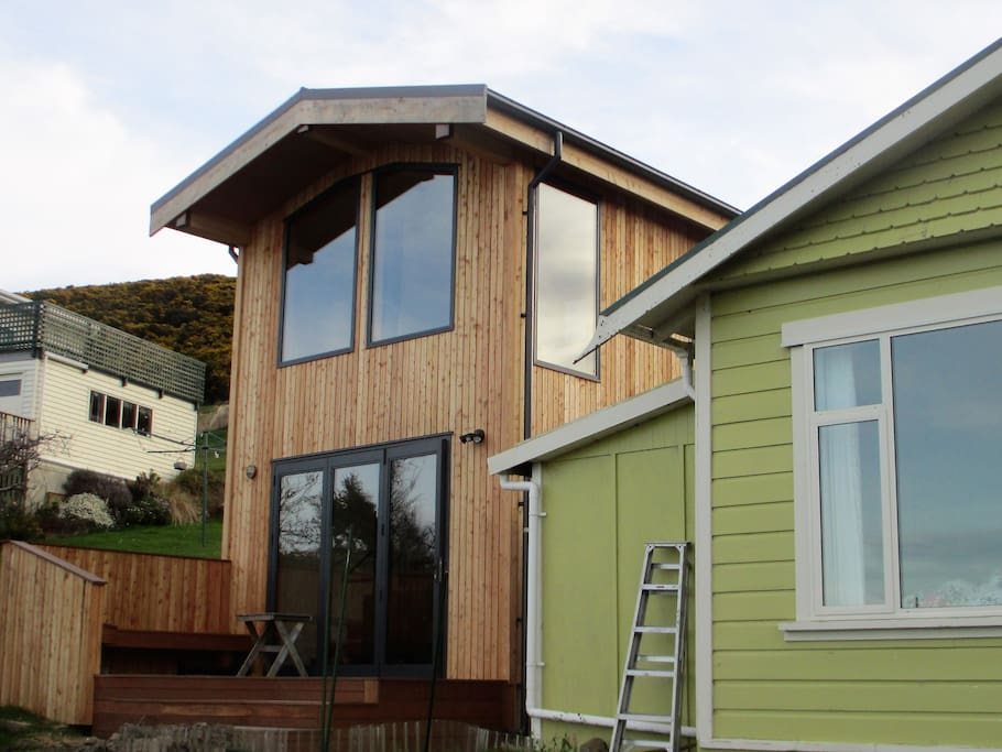 The lookout tiny houses for rent in deborah bay otago for The lookout tiny house