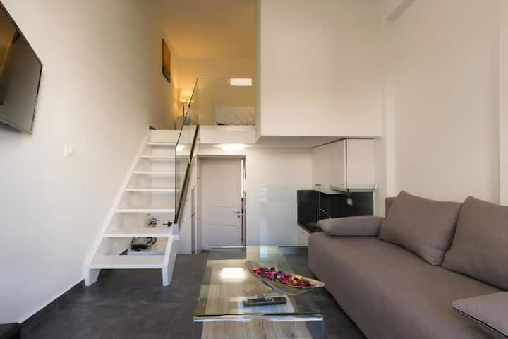 Luxury Studio Apartment in the city center!!!