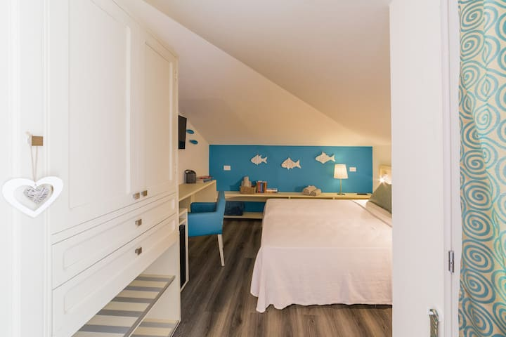 Aire. Private Room at the Beach with Swimming Pool