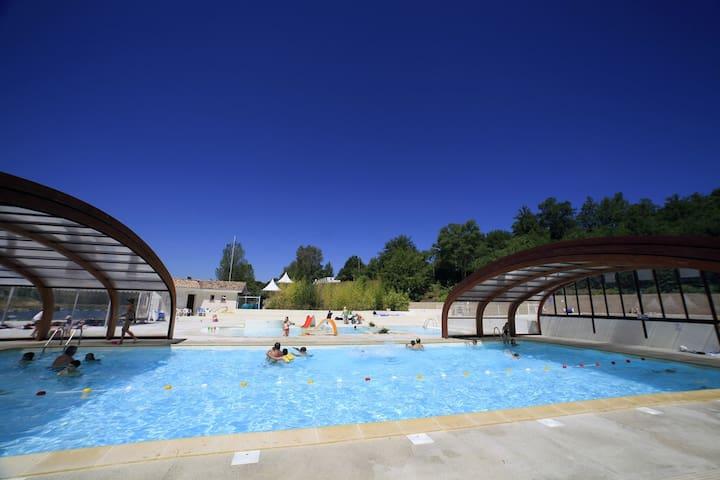 Chalets 2 Personnes avec piscine - Monclar-de-Quercy - Dağ Evi