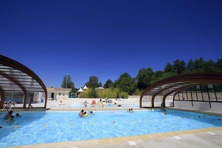 Chalets 2 Personnes avec piscine proche Albi - Monclar-de-Quercy - กระท่อมบนภูเขา
