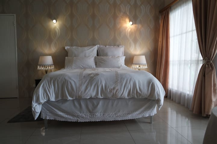 Spacious stylish room in a tranquil setting