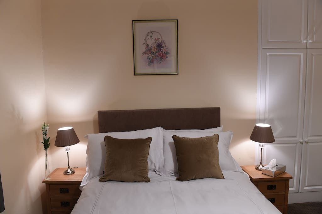 This luxurious room is en-suite featuring decor and furnishing in keeping with this period residence. Sit back, unwind and forget about the rest of the world in quaint bedroom stylishly decorated in a traditional country house style.