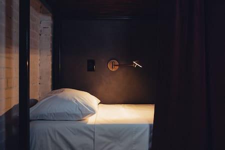 6 Bed Coed Dorm