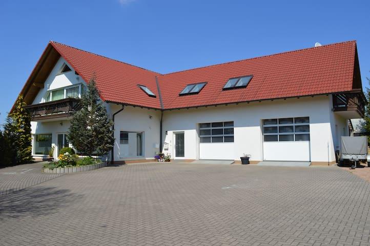 Große schöne Ferienwohnung am Sandfleck mit Balkon - Breitungen/Werra