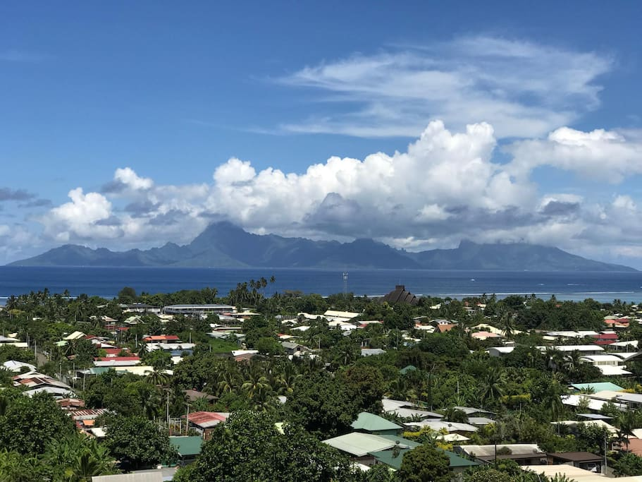 Appartement atypique vue imprenable sur moorea for Appartement atypique 77