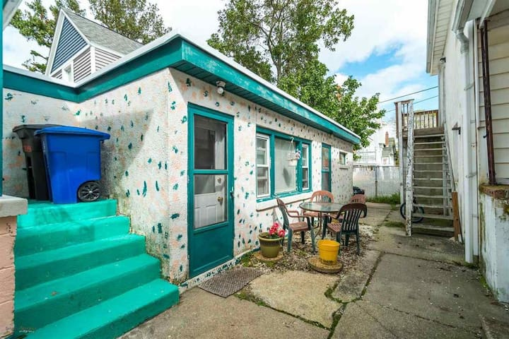 Private 1 bedroom Cottage in the heart of Wildwood - Wildwood - Apartment