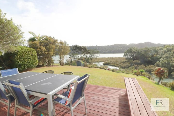 Waters edge paradise - Furnished Rentals