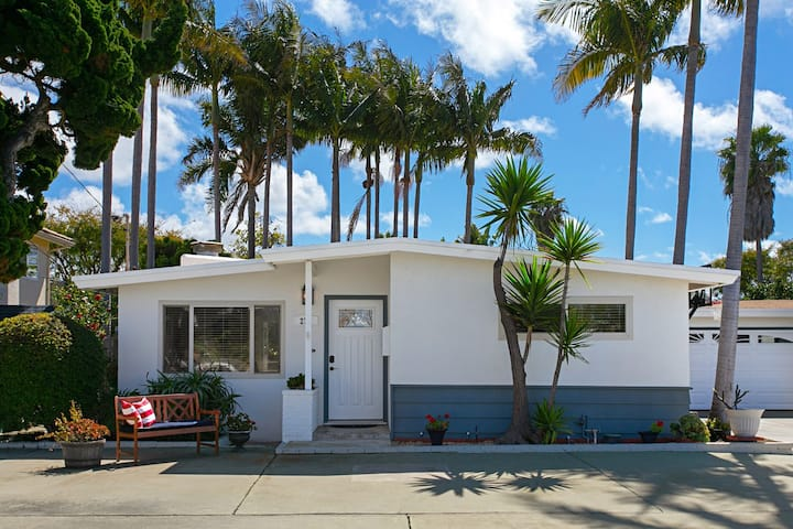 Epic family beach bungalow - 1 block from beach