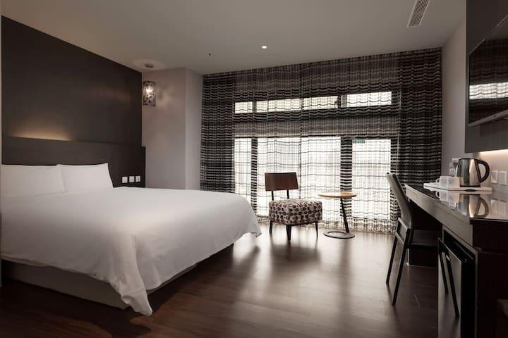 三多商圈站步行3分鐘Fine Hotel#01標準雙人房(含獨立衛浴、電梯) NR