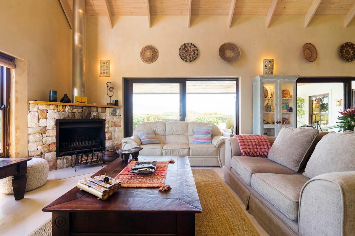 Panoramic Views & Fynbos Garden at Eco-estate Villa