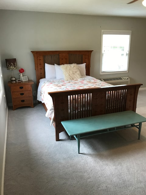 """Spacious Queen Suite with """"Spa-like"""" Bathroom"""