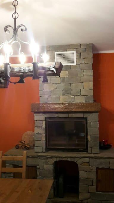 fireplace / camino
