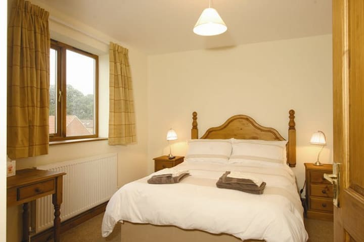 Luxury Lake View Cottage - Near Mablethorpe - Maltby le Marsh - Casa