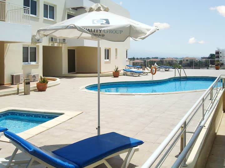 Apartment with 2 bedrooms in Larnaca, with wonderful sea view, shared pool and enclosed garden - 2 km from the beach