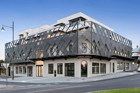 New CBD penthouse, amazing views! - Bendigo - Apartment