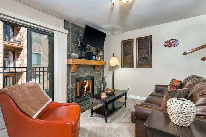 Charming Condo w/ a Shared Pool, Indoor Hot Tub, & Firepits