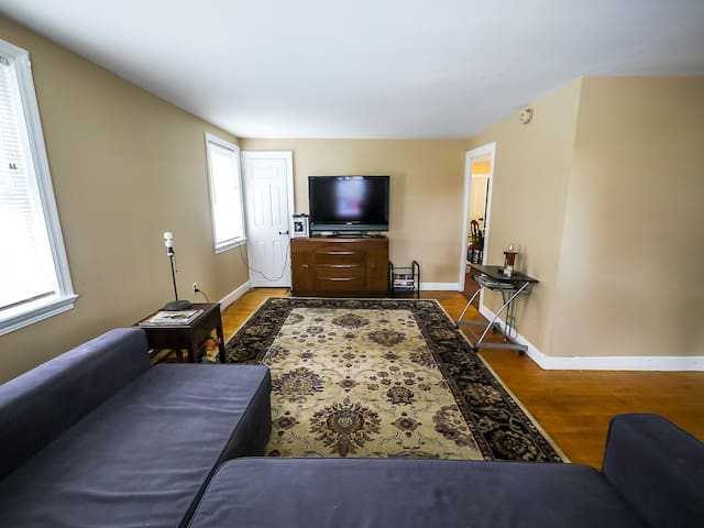The Porter House * 25 min to Killington * full apt - Pittsford - Hus