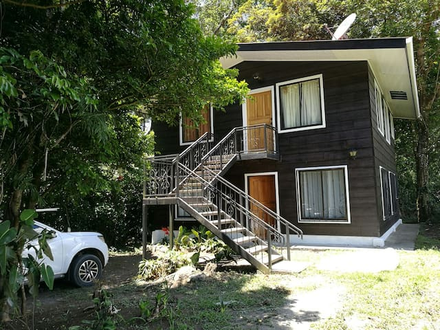 Cab.la familia, bosque tranquilo - Santa Elena - Apartment