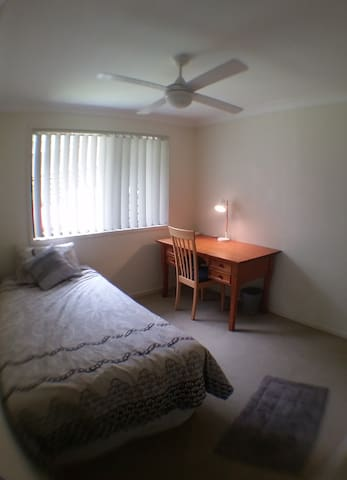 Comfortable  Single room in Oxley - Oxley - Dom