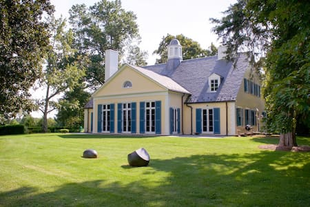 Colle   Historic Estate with Pool, Across from Jefferson Vineyards
