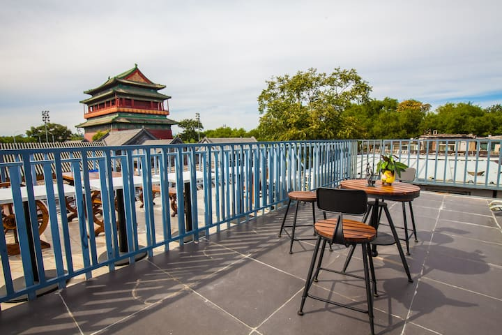 近南锣鼓巷,后海,故宫 Imperial Palace两居室5mins to subway的三层露台 - Beijing - House