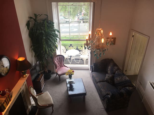 Two bed flat Clifton+Balcony+Parkng