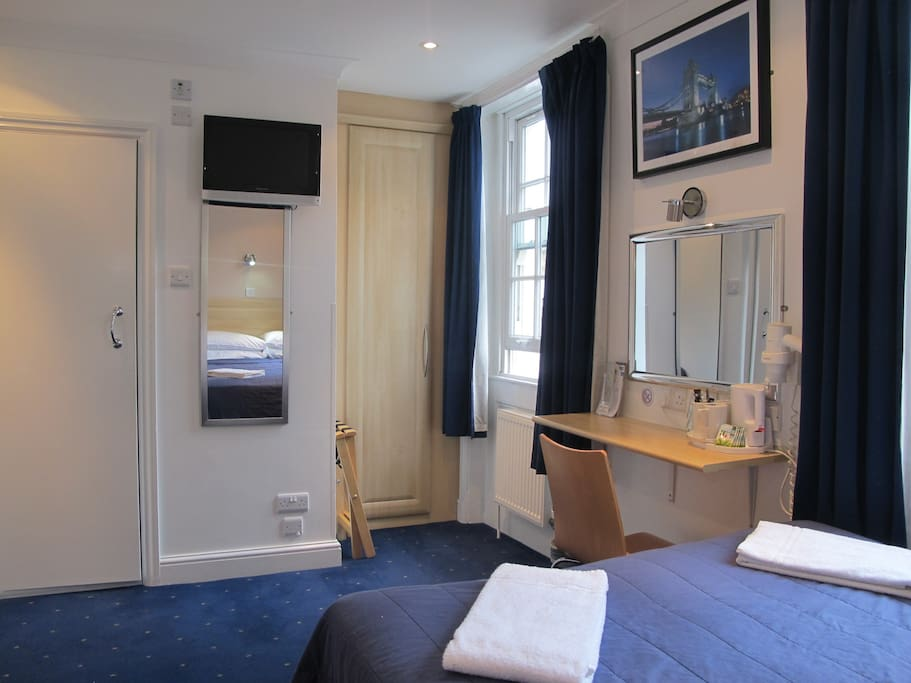 All TRIPLE ENSUITE Rooms are CLEAN, COMFORTABLE and BRIGHT.