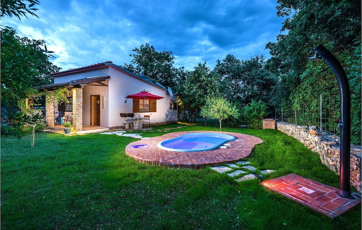 Nice home in Segotici with WiFi and 1 Bedrooms