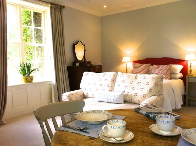 Luxurious countryside retreat, Beck Farmhouse - Hunworth - Bed & Breakfast