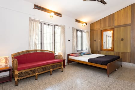 private cozy big room with a private entrance - Kalpetta - Bed & Breakfast