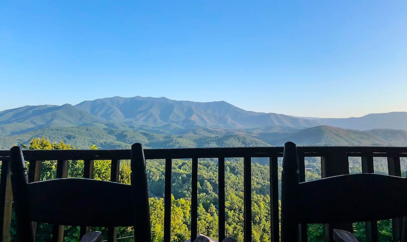 Insane Views GSMNP/Near DwTN Gatlinburg/Hot Tub