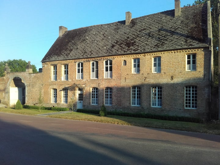 """Chambre d'Hôtes Au Chantecler  """"chambre Le Noyer"""""""